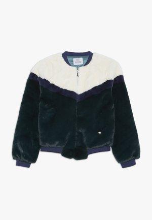 LAILA - Winter jacket - verde