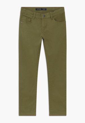 JOHN - Jean slim - green