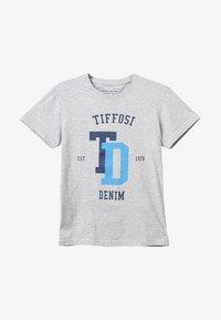 Tiffosi - PORTO - Print T-shirt - cinza - 2