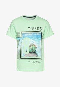Tiffosi - DONALD - Triko spotiskem - green - 0