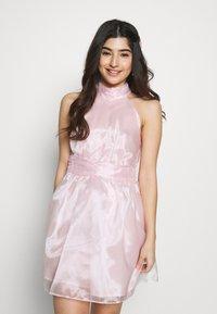 TFNC Petite - SANIRI MINI DRESS - Koktejlové šaty/ šaty na párty - pink - 0