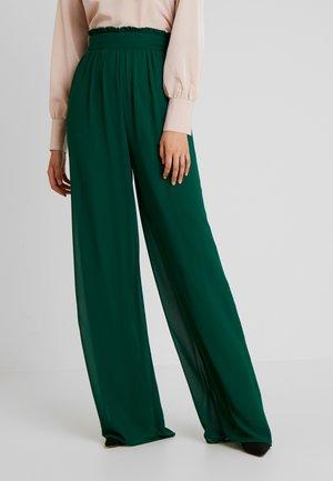 JOANA PANTS - Pantaloni - jade green