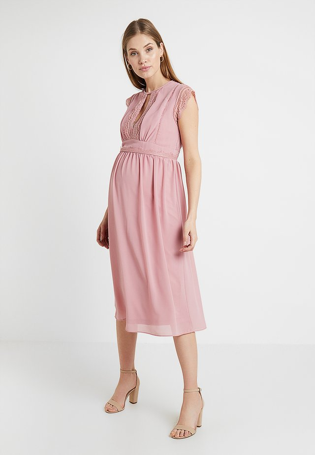 EXCLUSIVE FINLEY MIDI DRESS - Cocktailjurk - pink