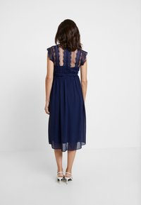 TFNC Maternity - EXCLUSIVE FINLEY MIDI DRESS - Sukienka koktajlowa - navy - 3