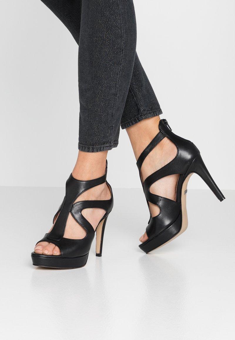 Tigha - CARIN - Højhælede sandaletter / Højhælede sandaler - black