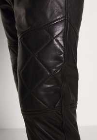 Tigha - ELRIC - Leather trousers - black - 4
