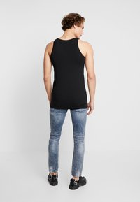 Tigha - BILLY THE KID PATCHED - Jeans Skinny Fit - mid blue - 2