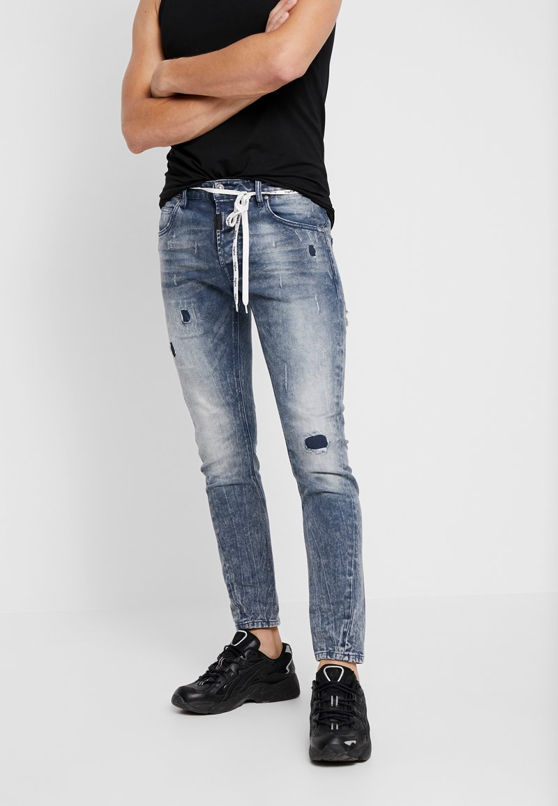 Tigha - BILLY THE KID PATCHED - Jeans Skinny Fit - mid blue