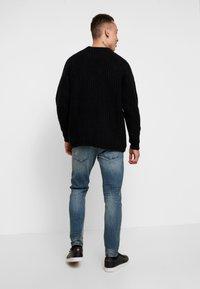 Tigha - BILLY THE KID  - Jeans Slim Fit - vintage mid blue - 2