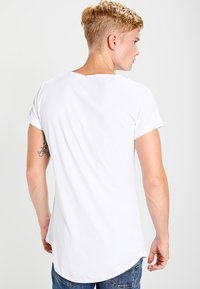 Tigha - MIRO - T-shirts - white - 2
