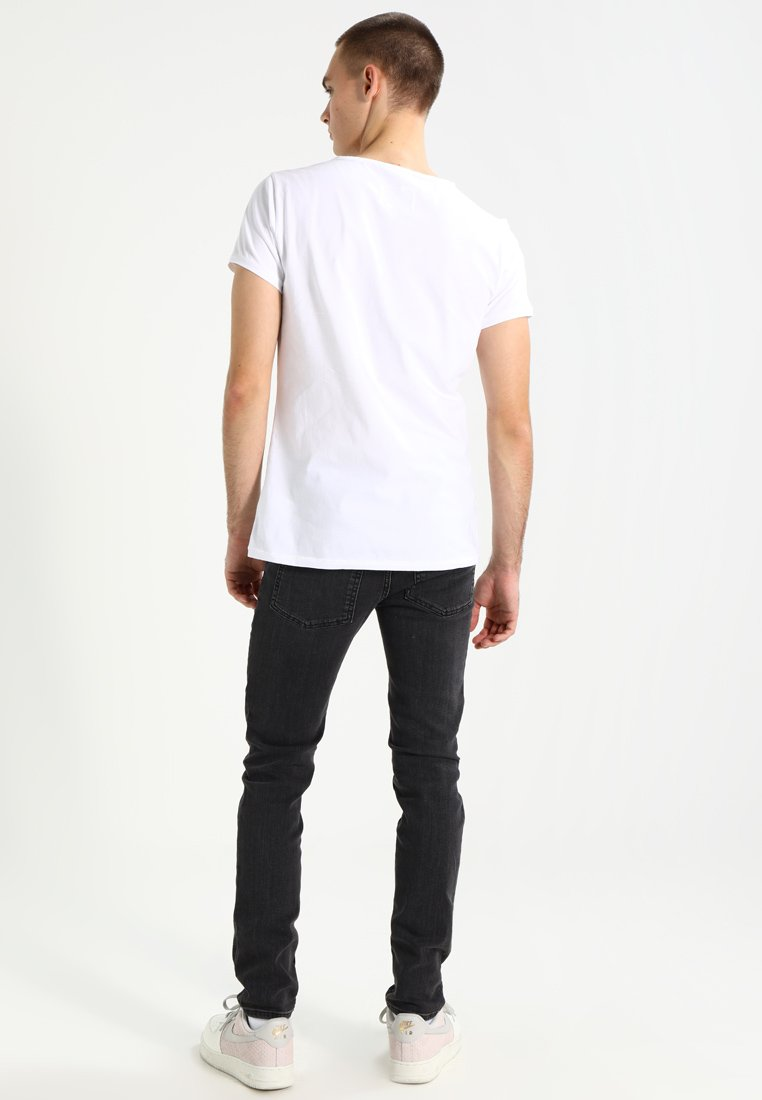 shirt White Tigha WrenT shirt WrenT Tigha Tigha shirt Basique Basique WrenT White I6gvYfym7b