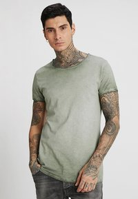 Tigha - VITO SLUB - Camiseta estampada - military green - 0