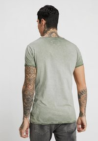 Tigha - VITO SLUB - Camiseta estampada - military green - 2
