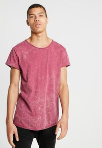 Tigha - MILO SPRAY - T-shirts med print - vintage red steam - 0