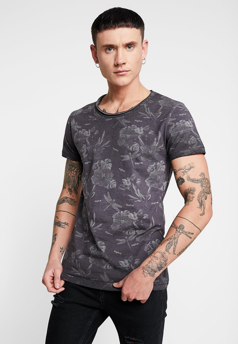 Tigha - CHRISTIAN - Camiseta estampada - black flowers