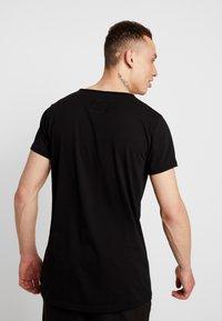 Tigha - JARDEL - T-shirts - black - 2