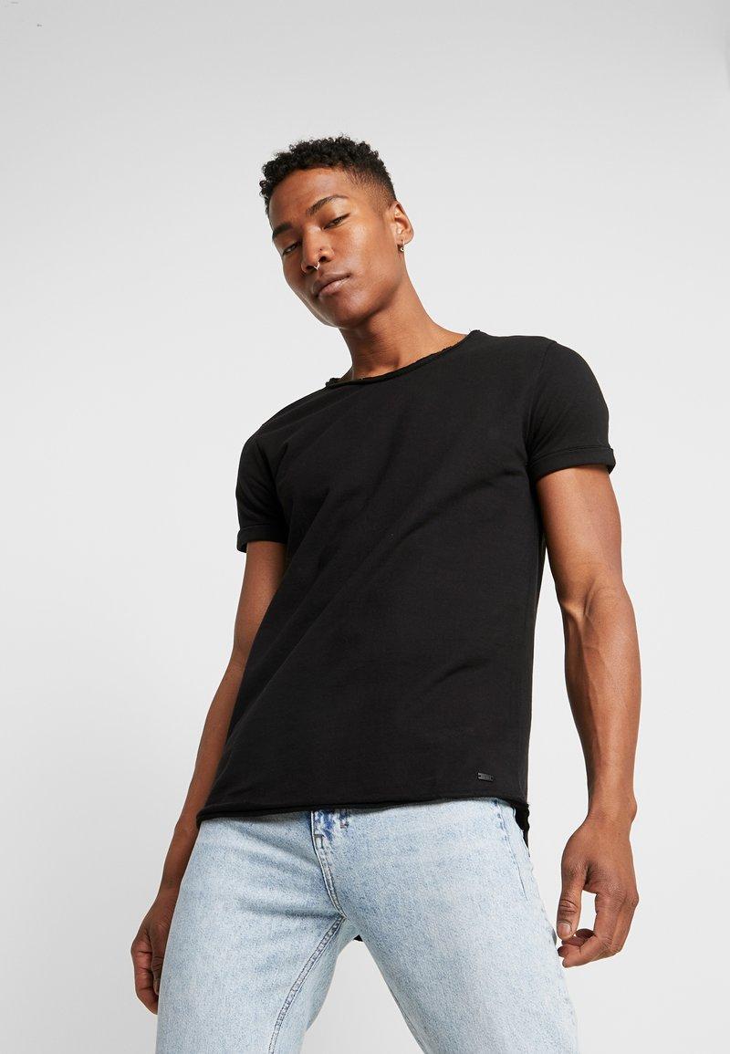 Tigha - MILO - T-shirts - black