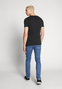 Tigha - ELIANO - Camiseta básica - black - 2