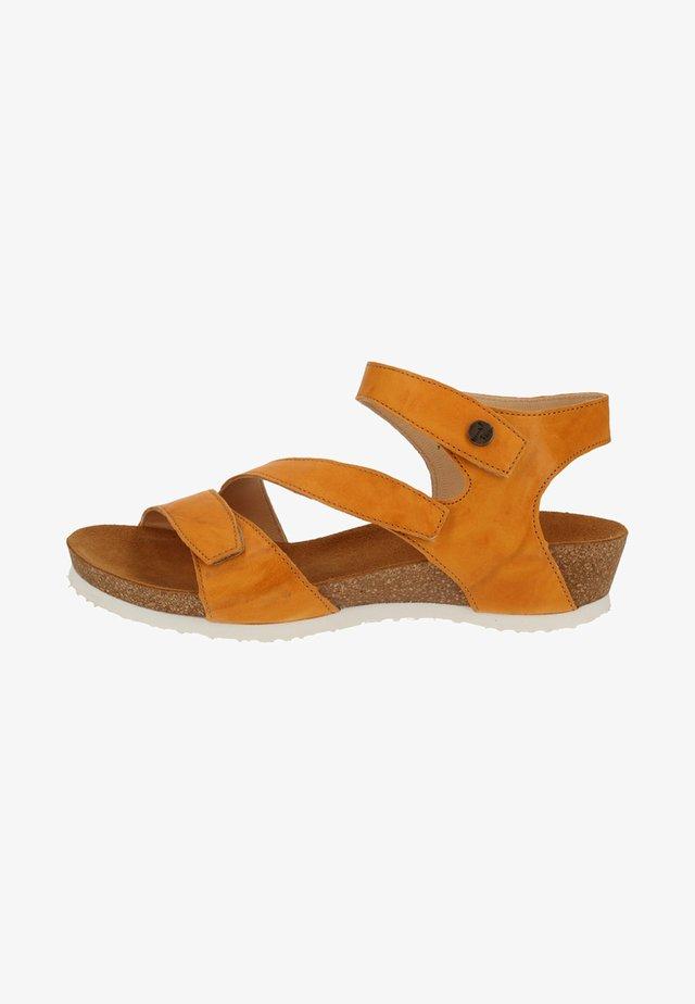 Sandaler m/ kilehæl - safran