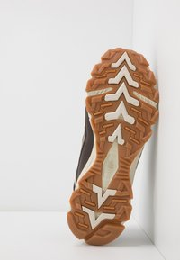 The North Face - ARCHIVE TRAIL KUNA CREST - Baskets basses - chocolate brown/black - 4
