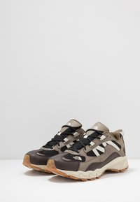 The North Face - ARCHIVE TRAIL KUNA CREST - Baskets basses - chocolate brown/black - 2