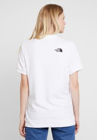 The North Face - GRAPHIC - T-shirt con stampa - white - 2