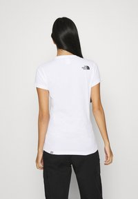 The North Face - GEODOME TEE - T-shirts med print - white - 2