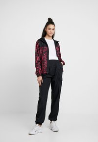 The North Face - PRINT CYCLONE - Chaqueta fina - rose red - 1