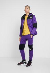 The North Face - HIMALAYAN PANT - Spodnie treningowe - hero purple/black - 1