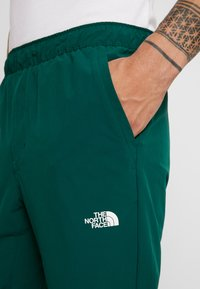 The North Face - TECH PANT - Trainingsbroek - night green - 5