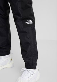The North Face - MOUNTAIN LIGHT  - Pantalones deportivos - black - 4