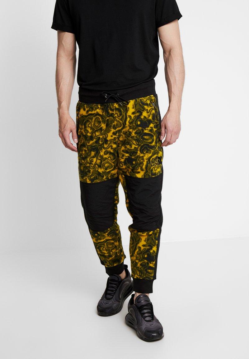 The North Face - RAGE CLASSIC PANT - Spodnie treningowe - leopard yellow