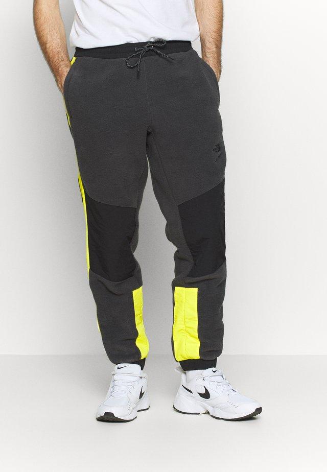 EXTREME PANT - Spodnie treningowe - asphalt grey