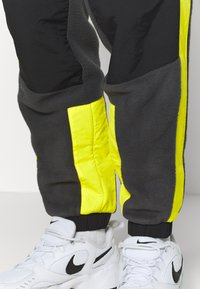The North Face - EXTREME PANT - Pantalon de survêtement - asphalt grey - 3