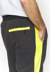 The North Face - EXTREME PANT - Pantalon de survêtement - asphalt grey - 6