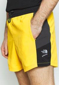 The North Face - EXTREME - Shorts - lemon combo - 4