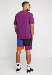 The North Face - RETRO RAGEDD TEE - T-shirt print - phlox purple - 2