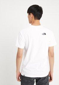 The North Face - RAG BOX - T-shirt print - white - 2