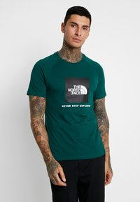 The North Face - RAG BOX - Printtipaita - night green - 0