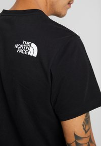 The North Face - HIMALAYAN TEE - T-shirt print - black - 6