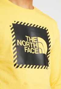 The North Face - STRIPE BOX TEE - Long sleeved top - yellow/black - 5