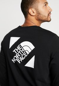 The North Face - SLANTED LOGO TEE - Top sdlouhým rukávem - black/white - 3