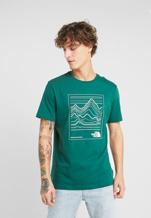 MOUNTAIN TEE - T-shirt imprimé - dark green/white