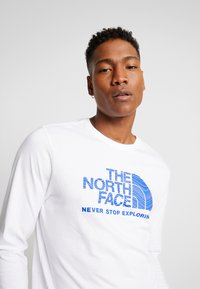The North Face - FILLED LOGO TEE - T-shirt à manches longues - white - 4