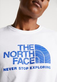 The North Face - FILLED LOGO TEE - T-shirt à manches longues - white - 6