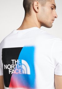 The North Face - Print T-shirt - white - 3