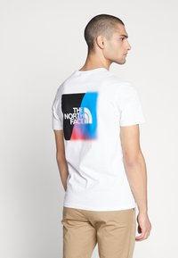 The North Face - T-shirts med print - white - 2