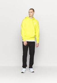 The North Face - Print T-shirt - white/ lemon - 1