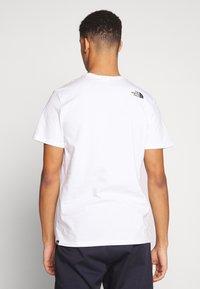 The North Face - Printtipaita - white/black/multi - 2