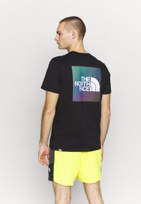 The North Face - T-shirts med print -  black/ white